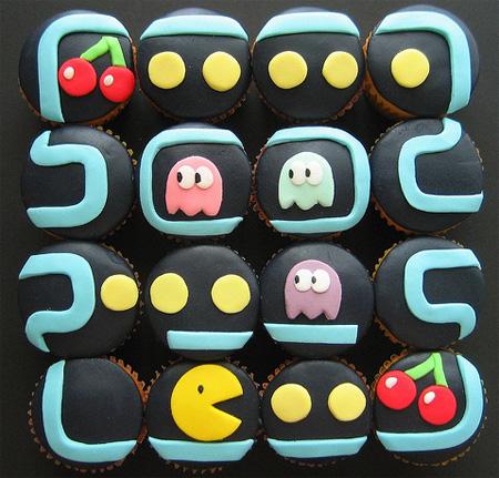 набор пирожных для  любителей игры Pacman