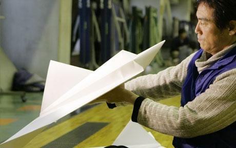 бумажный самолет попал в книгу рекордов Гиннеса